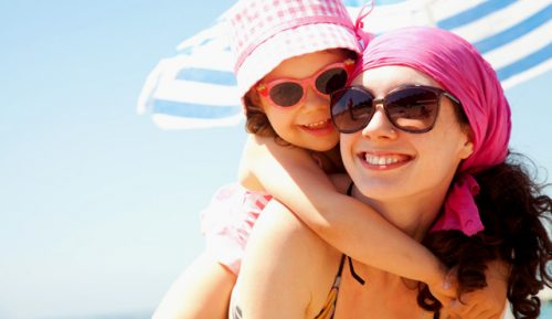 Can combinatorial micronutrition help avoiding sunburn and promote healthy suntanning?